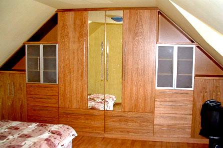 Vestavná skříň v šikmině