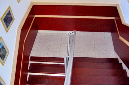 Obložení betonových schodů a zdi