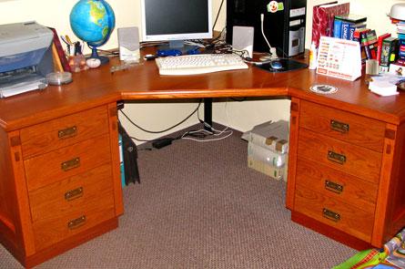 Stůl v pracovně