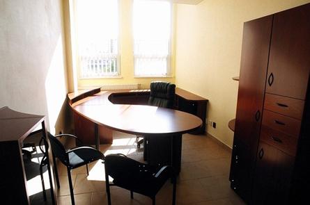 Kancelářský stůl zakulacený