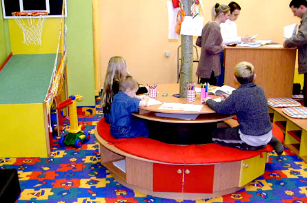 Pracovní stolek v dětském koutku