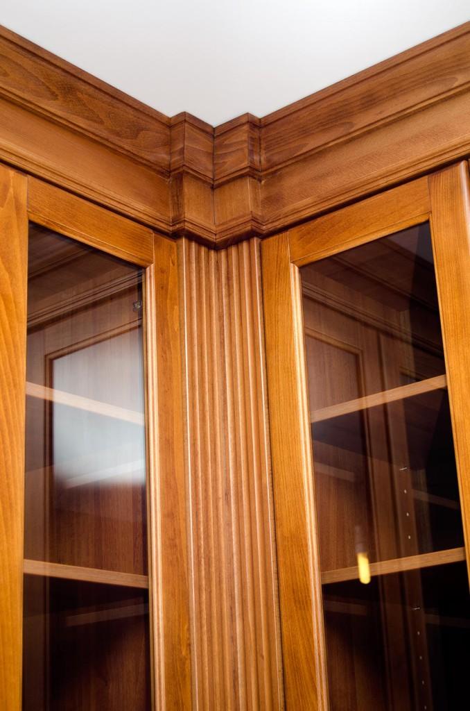 Detail římsy u stropu